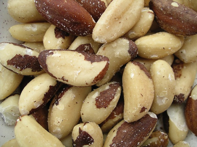 Golden Sunrise Foods.  Brazil nuts.  May contain other nut traces.  Produce of Bolivia.